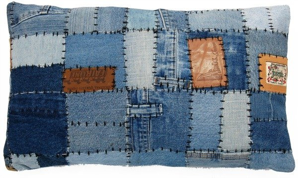 Simzi : Stoere patchwork kussens van jeanslabels u2014 HippeShops.nl ...