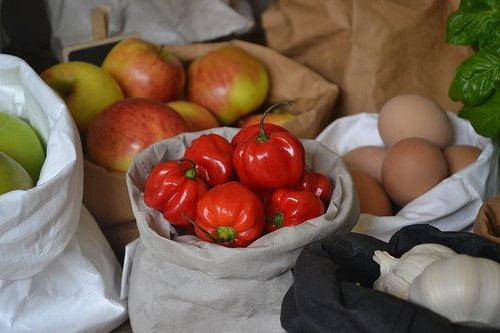 moesengriet_uashmamar-paper-bag-medium_veg