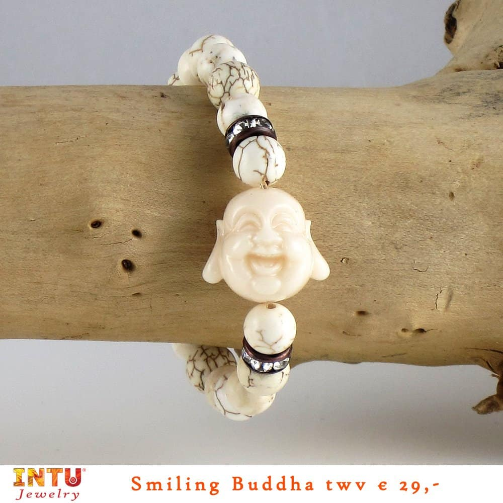 InTu Jewelry giveaway – Smiling Buddha Howliet armband