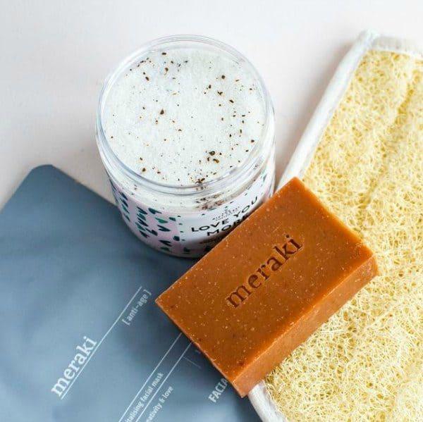 Relax en beautypakket met meraki masker zeep scrub
