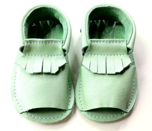 Mintgroen sandaaltje