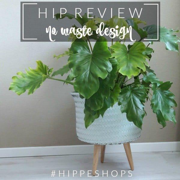 Handed By Up: hippe gevlochten bloempot op pootjes