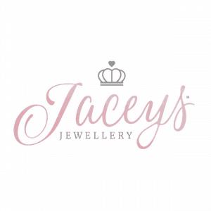 Op zoek naar een gepersonaliseerd sieraad? In de sieraden webshop van Jaceys® ontwerp jij jouw naam sieraden gemakkelijk en snel online. Jaceys® maakt van ieder sieraad, jouw unieke sieraad!