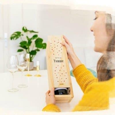 Gepersonaliseerd kistje wijn: het leukste geschenk om te versturen