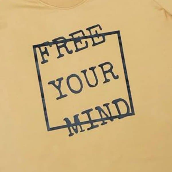 T-shirt Free Your Mind (damesmaat of kindermaat) van Lucky Leaf