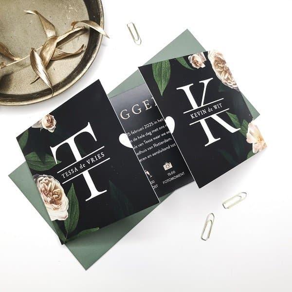 Trouwkaart initialen - Koningkaart de nieuwste trends in kaarten voor elk feestje en gebeurtenis