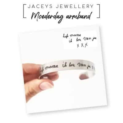 Moederdag cadeautip: hand geschreven tekst armband van Jaceys Jewellery