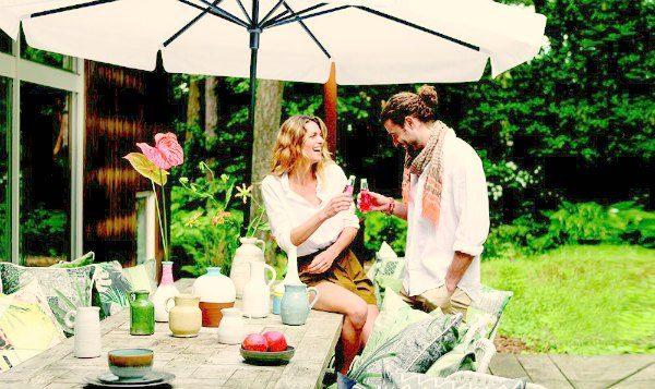 Lekker lang tafelen in de tuin doe je het best op zachte en comfortabele tuinkussens