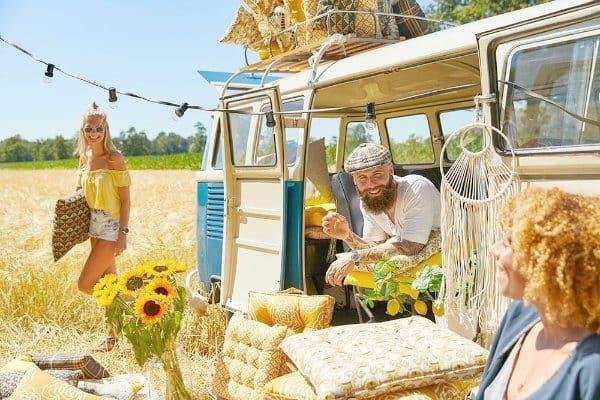 tuinkussens-inspiratie-tuinkussenshop-hippe-tuinkussens-volkswagenbusje