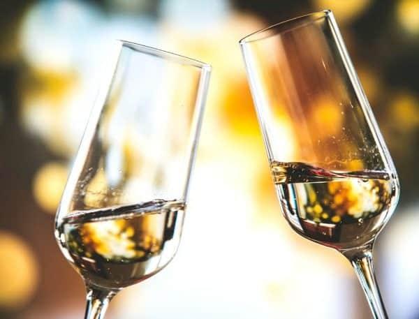 champagne proost cheers Een exclusief cadeau bezorgen via Charles.nl Wine & Gifts