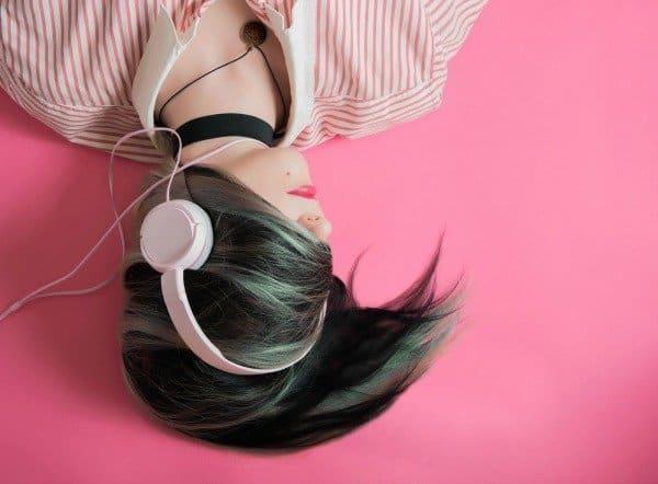 offline muziek luisteren en films kijken op je telefoon