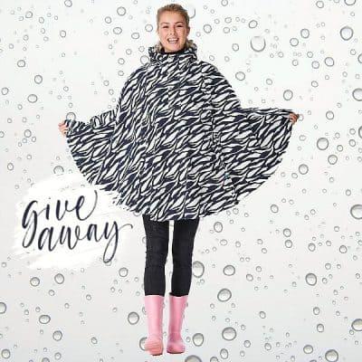 WIN: Hipinderegen regencape (twv €90) van Happy Rainy Days