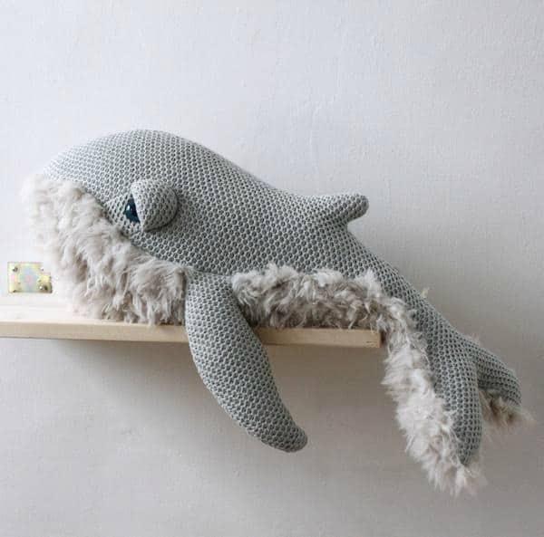 bigstuffed knuffel whale grandma