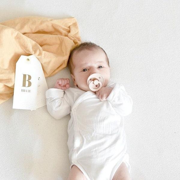 labelkaartje goudfolie geboortekaartje
