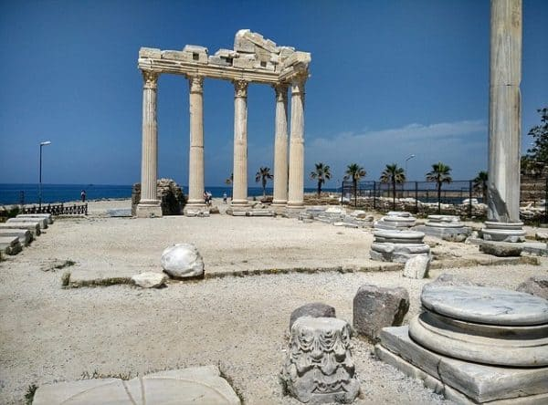 Romeinse bezienswaardigheden in de Turkse badplaats Side