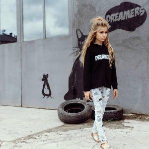 Hebe-hoodie-zwart-Eileen4Kids