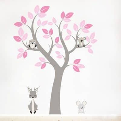 Muursticker boom met dieren voor een hippe babykamer en kinderkamer