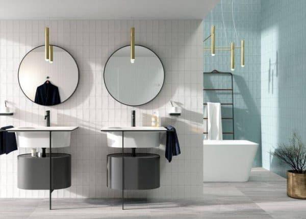 scandinavische badkamer met lange tegels