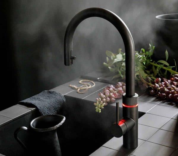 zwarte quooker heet water kraan keuken