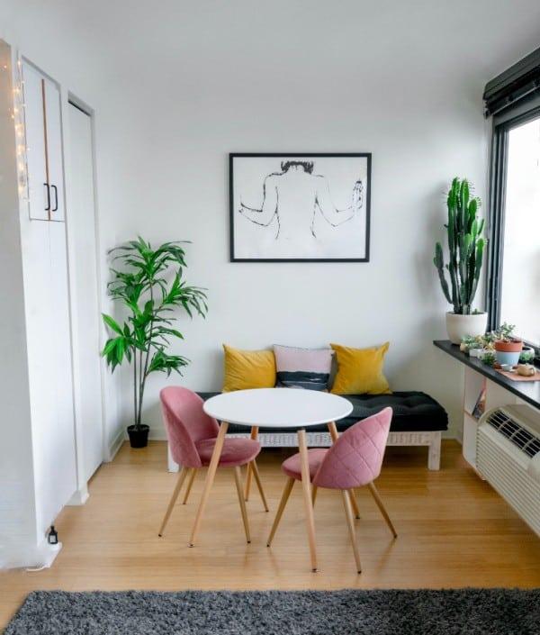 smalle woonkamer kleuren