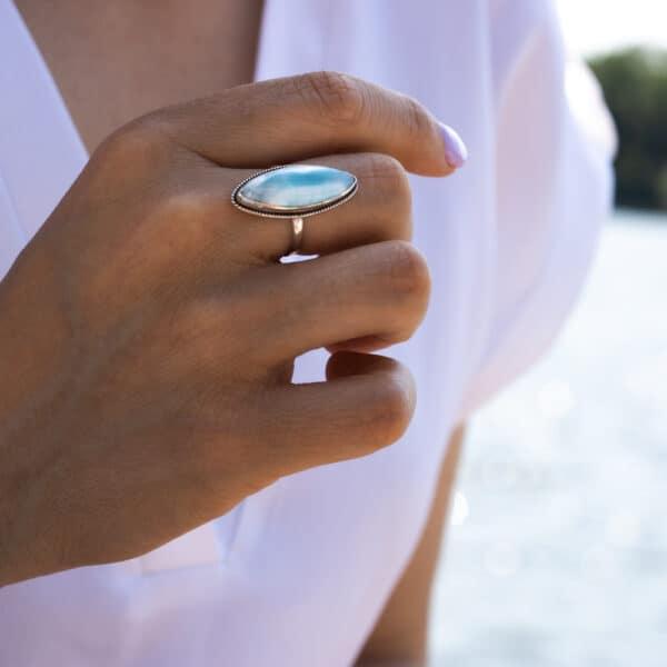 boho ring met mooie Larimar steen als eyecatcher